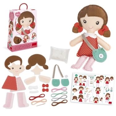 """Εικόνα της Κατασκευή κούκλας """"Mia""""."""